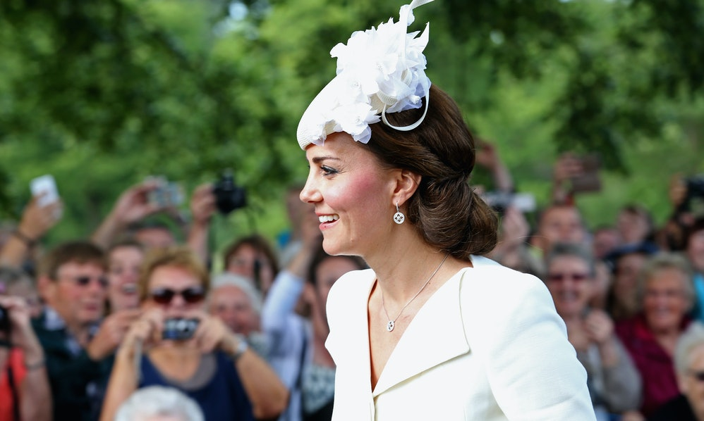 30 instagram captions for fascinator pics on the day of the royal 30 instagram captions for fascinator pics on the day of the royal wedding solutioingenieria Gallery