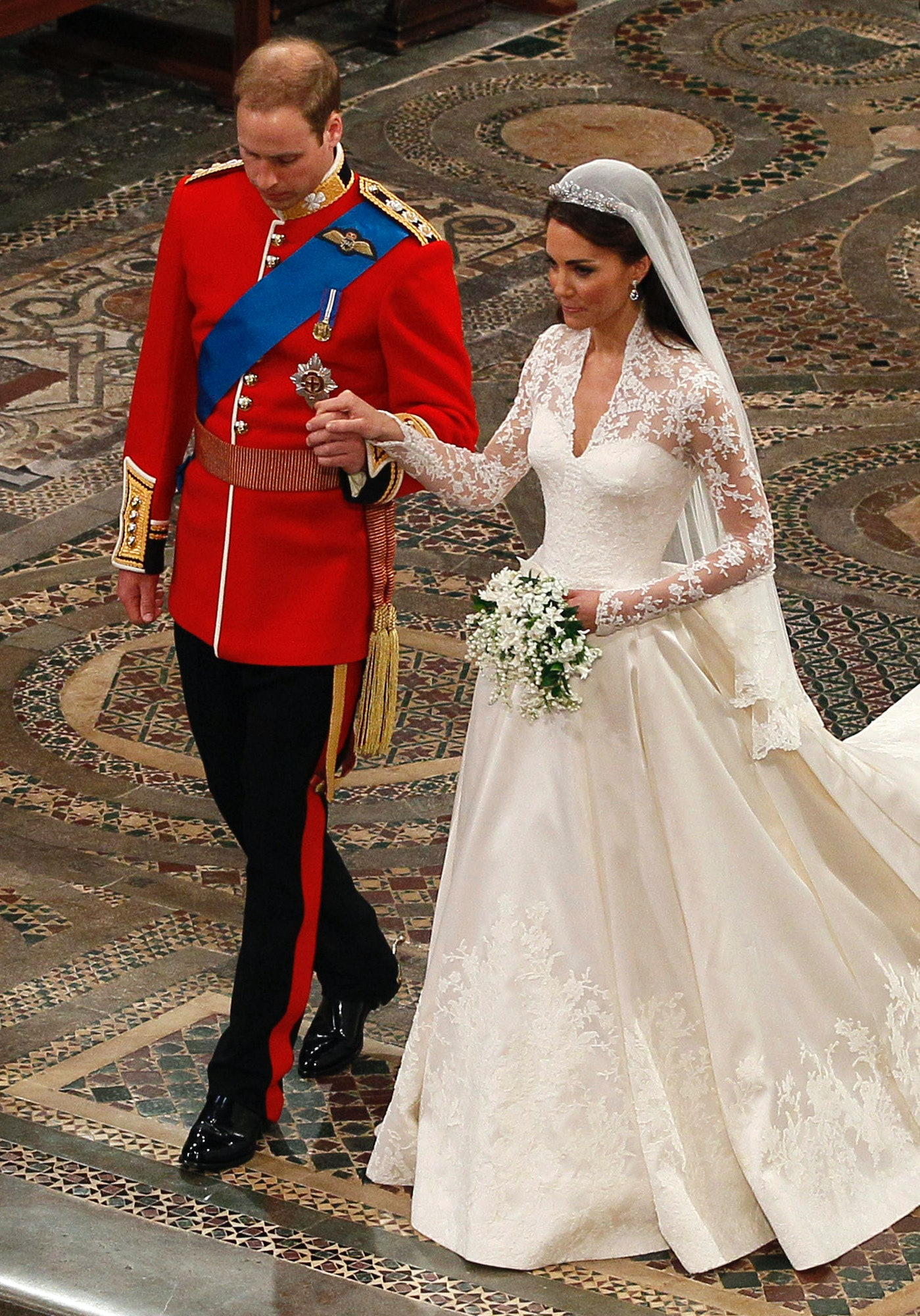 4 Photos Of Kate Middleton\'s Wedding Dress That\'ll Pump You Up For ...