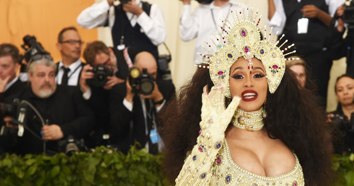 Cardi B Is Having A Baby Girl & She Confirmed The News After Many, Many Hints