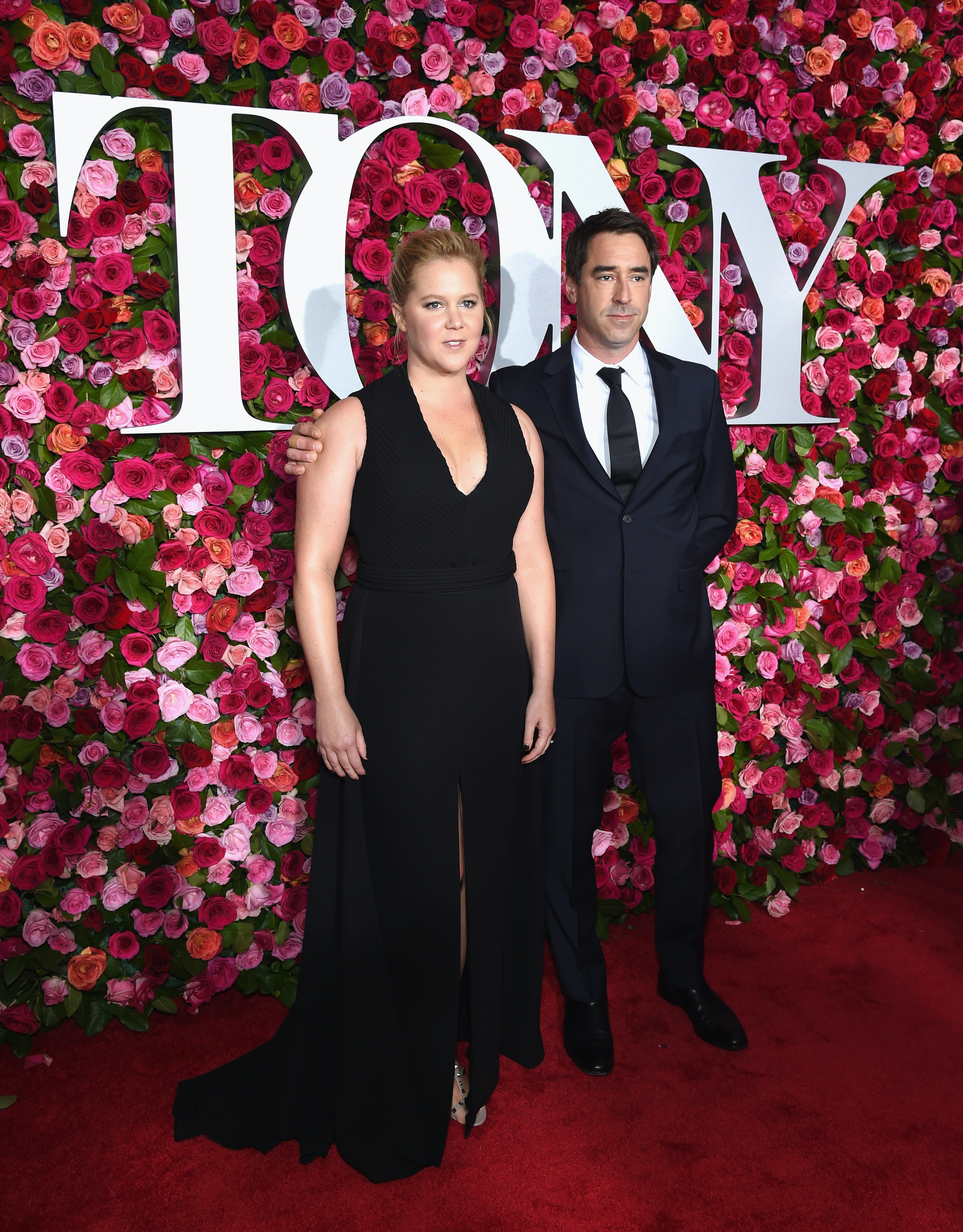 These Pictures Of Amy Schumer Chris Fischer On The Tony Awards Red Carpet Are Cute Af