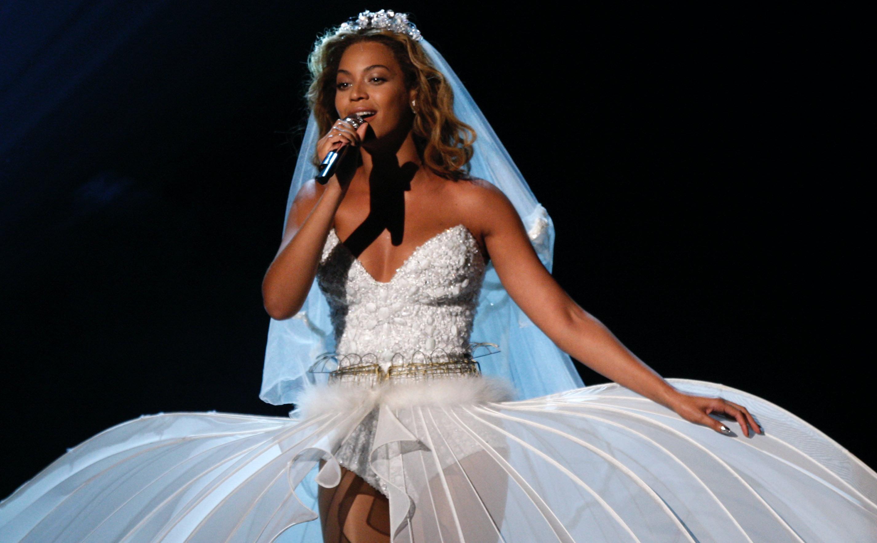 Beyonce White One Shoulder Dress