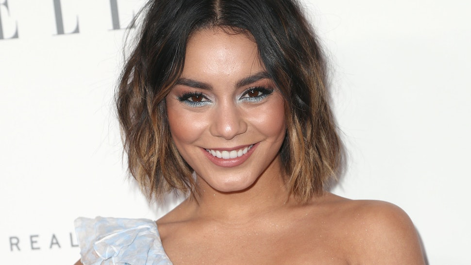 A Princess For Christmas Mtrjm.Vanessa Hudgens Movie The Princess Switch On Netflix Will
