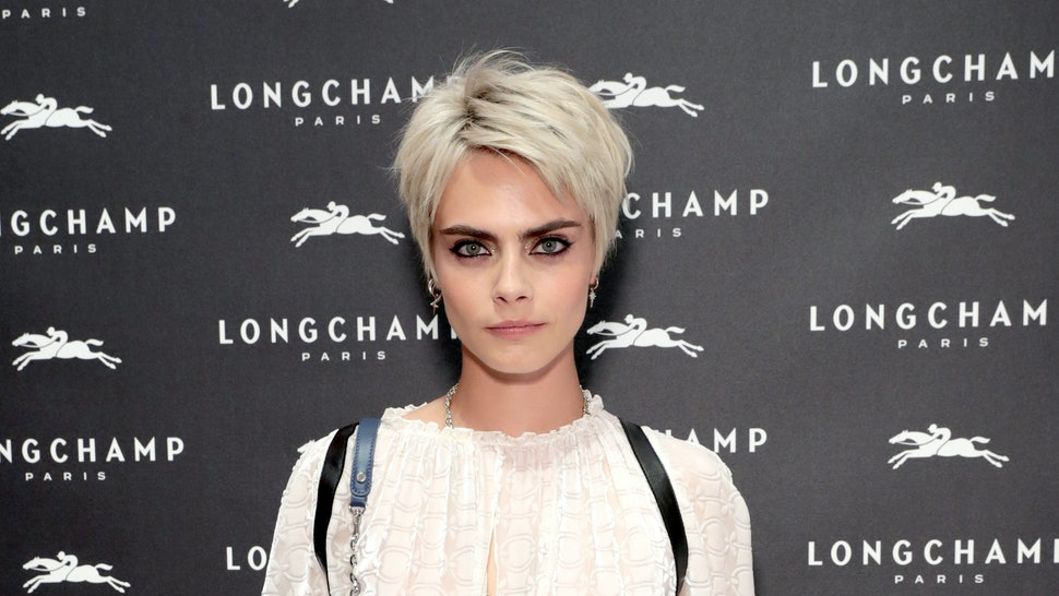 Is Cara Delevingne S Blonde Bob Real It Is Clearly The Style Of The