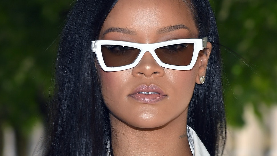 f9b805f4d6d When Does Fenty Beauty's Flyliner Come Out? It's Your Ticket To A Rihanna-Approved  Cat Eye