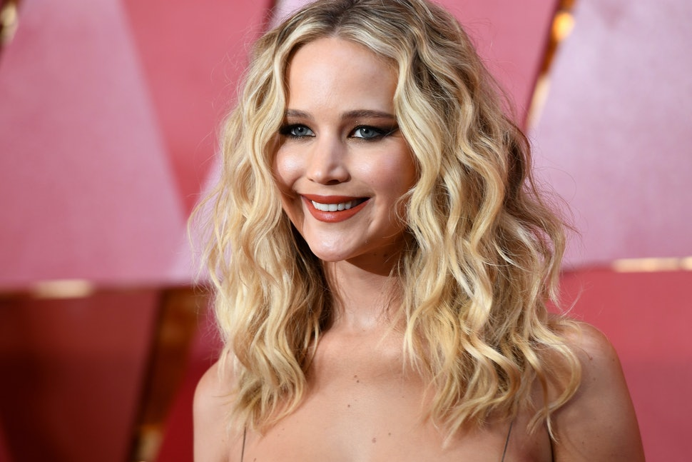 Is Jennifer Lawrences Wavy Bob Real Her New Do Will Inspire Your
