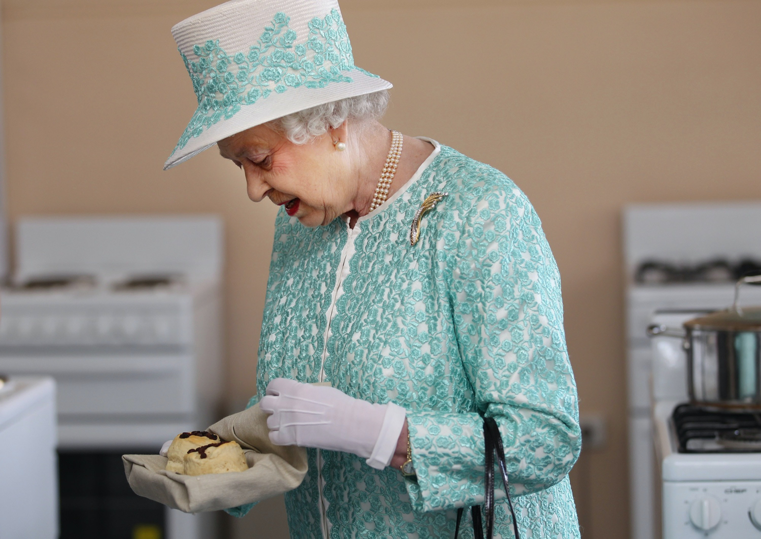Buckingham Palace\'s Pastry Chef Job Listing Includes \