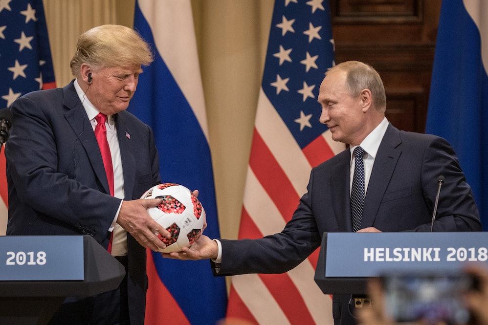 Αποτέλεσμα εικόνας για putin giving the ball to trump