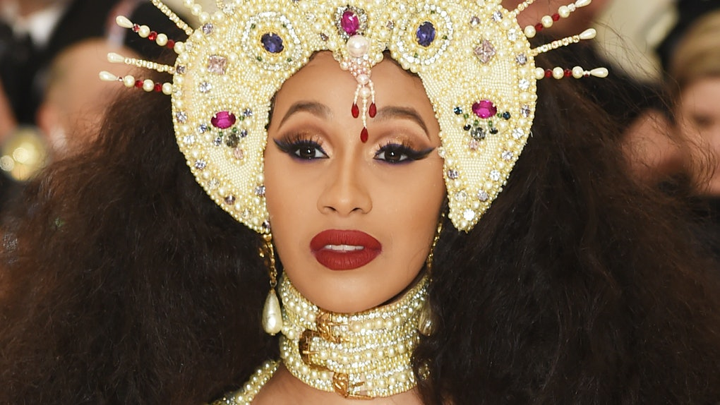 Cardi B S Makeup Artist Revealed How To Make Any Lip Gloss Matte
