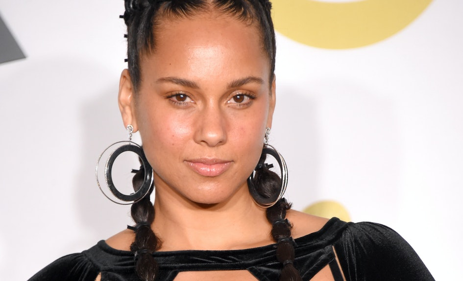 alicia keys new short red hair proves she s a girl on fire