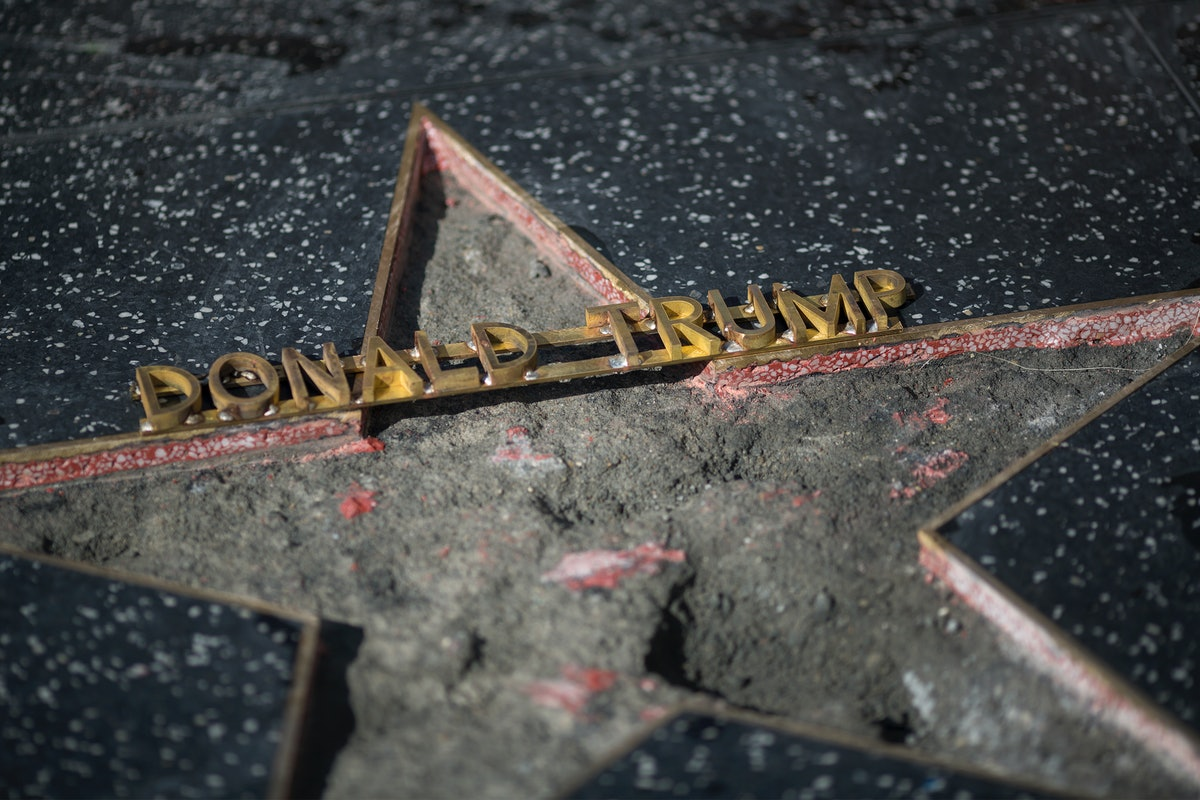 "Fake ""Russian Soldiers"" Guarded Trump's Hollywood Star To Troll The President"