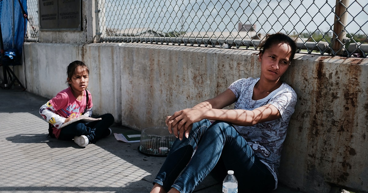 These Letters From Migrant Women In Detention Centers Are Gut-Wrenching To Read