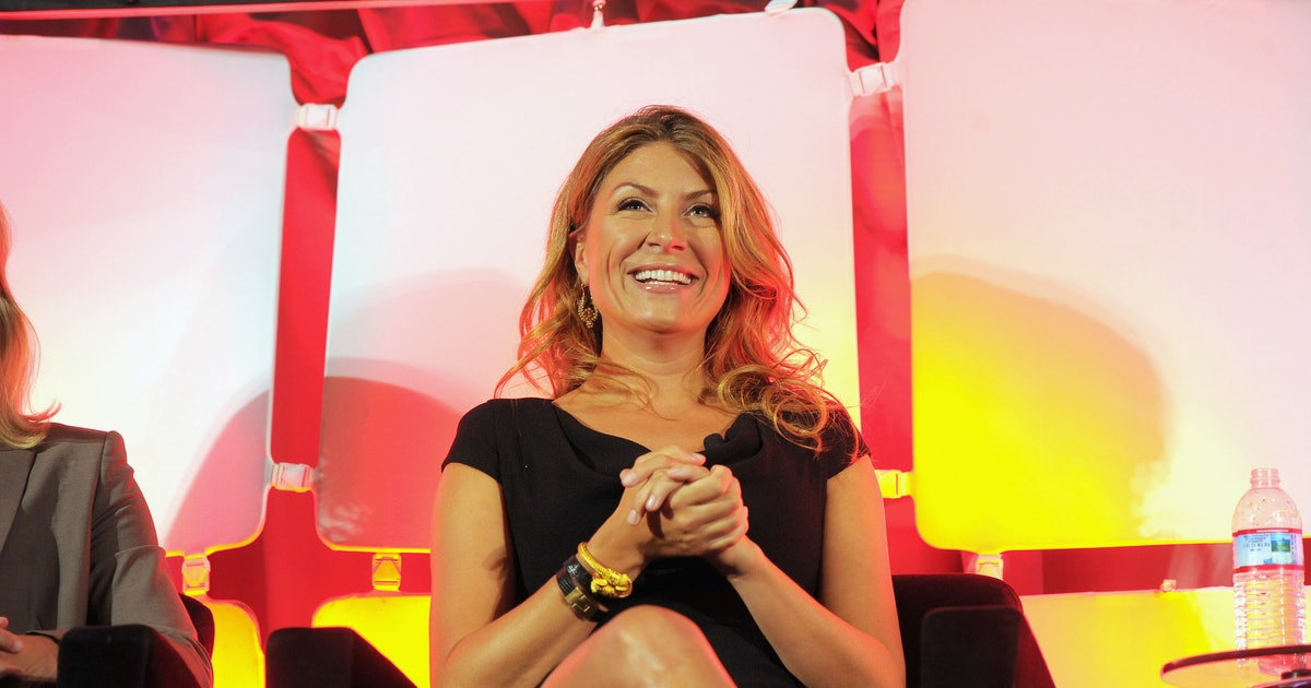 Who S Genevieve Gorder From Stay Here The Trading Spaces Alum Wasn T Always A Fan Of Interior Design