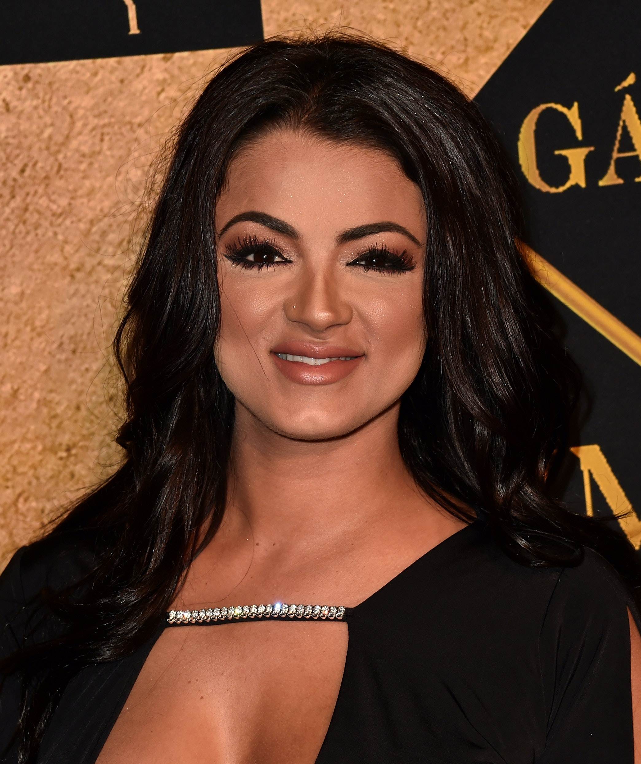 Who is gg from shahs dating