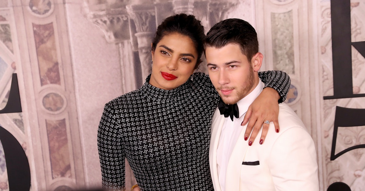 Nick Jonas & Priyanka Chopra's Body Language At New York Fashion Week Shows It's All Love