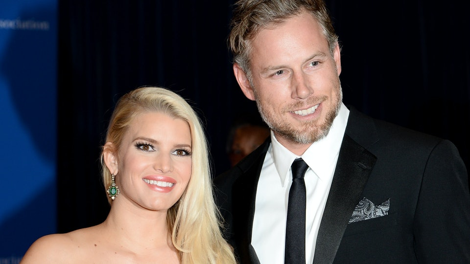 fd269044e9c1a3 When Is Jessica Simpson Due? She & Eric Johnson Have Baby No. 3 On The Way
