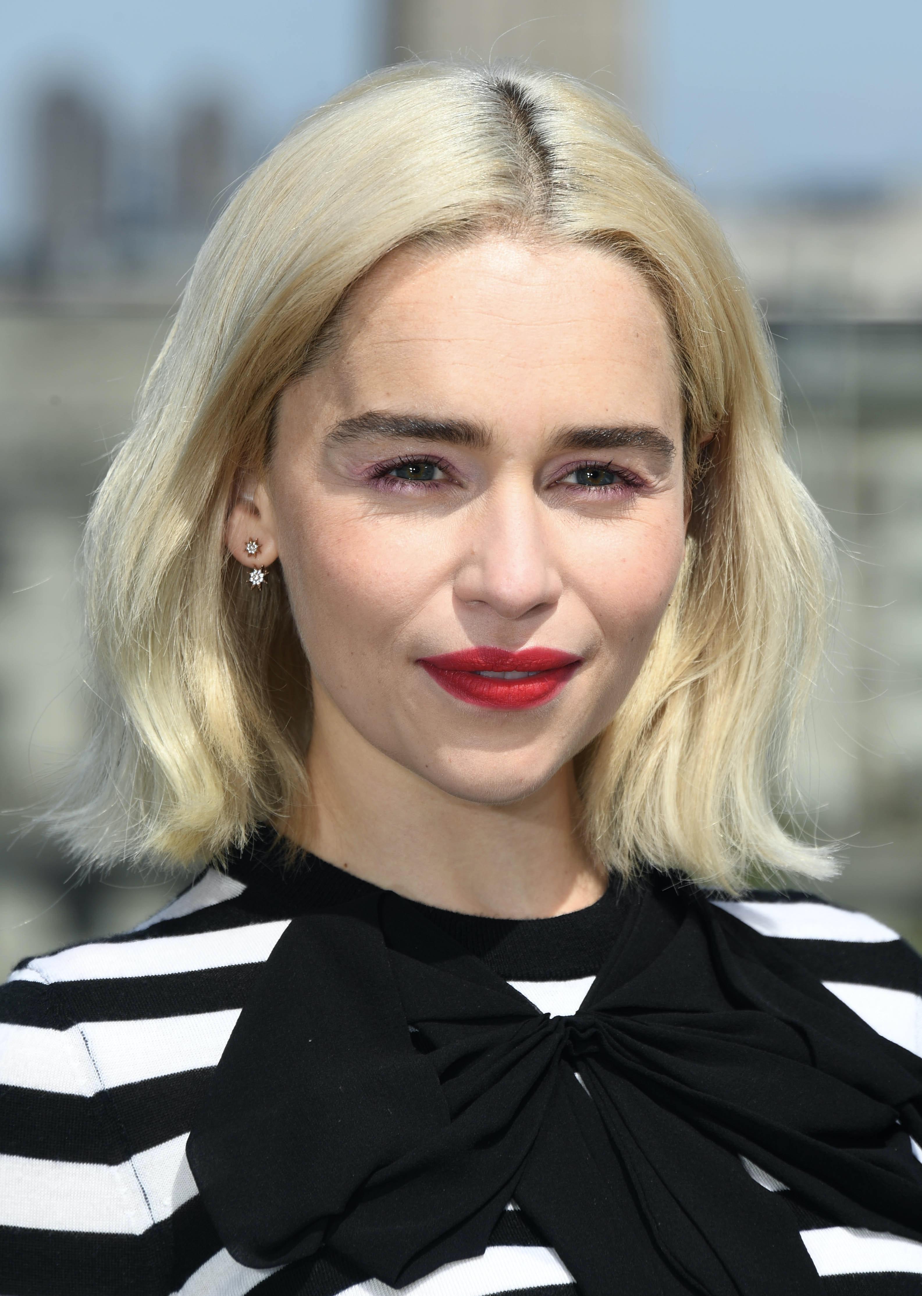 Emilia Clarke S New Pixie Cut Is A Far Far Cry From Her Long Khaleesi Locks