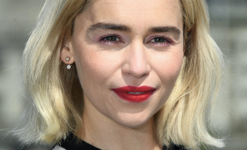 Emilia Clarkes New Pixie Cut Is A Far Far Cry From Her Long