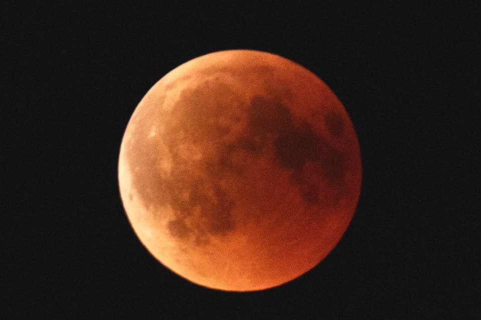 The Super Blood Wolf Moon 2019 Will Actually Happen At A Decent Hour