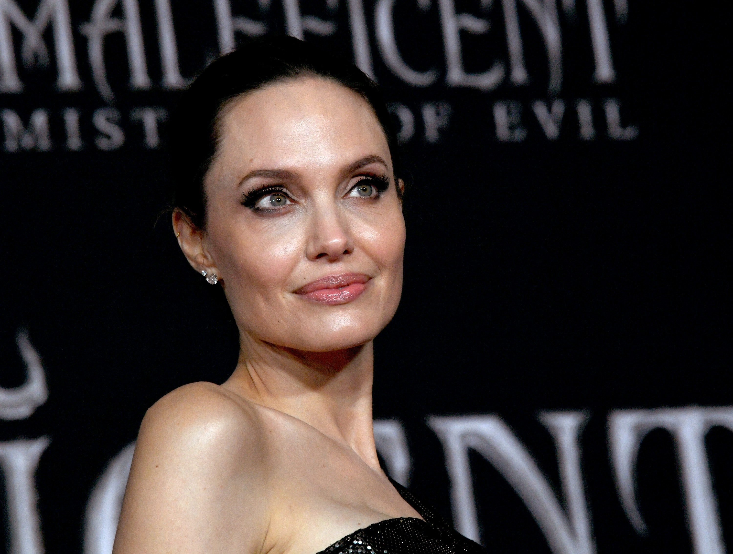 Angelina Jolie S Maleficent Mistress Of Evil Premiere
