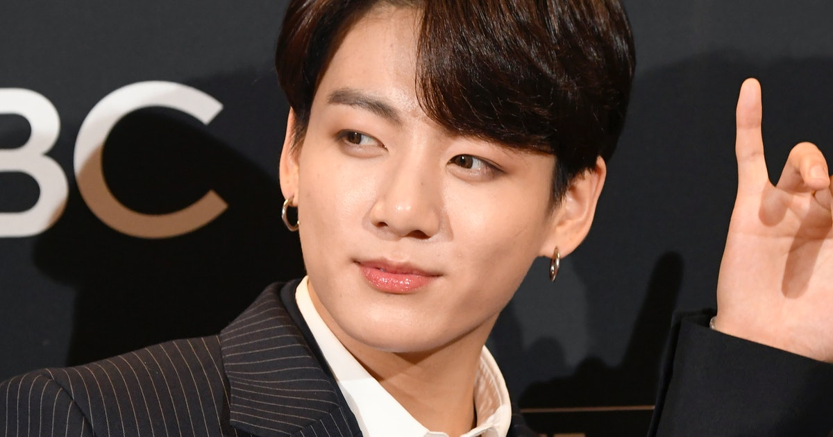 These Photos Of BTS' Jungkook's New Haircut Have ARMYS Freaking Out