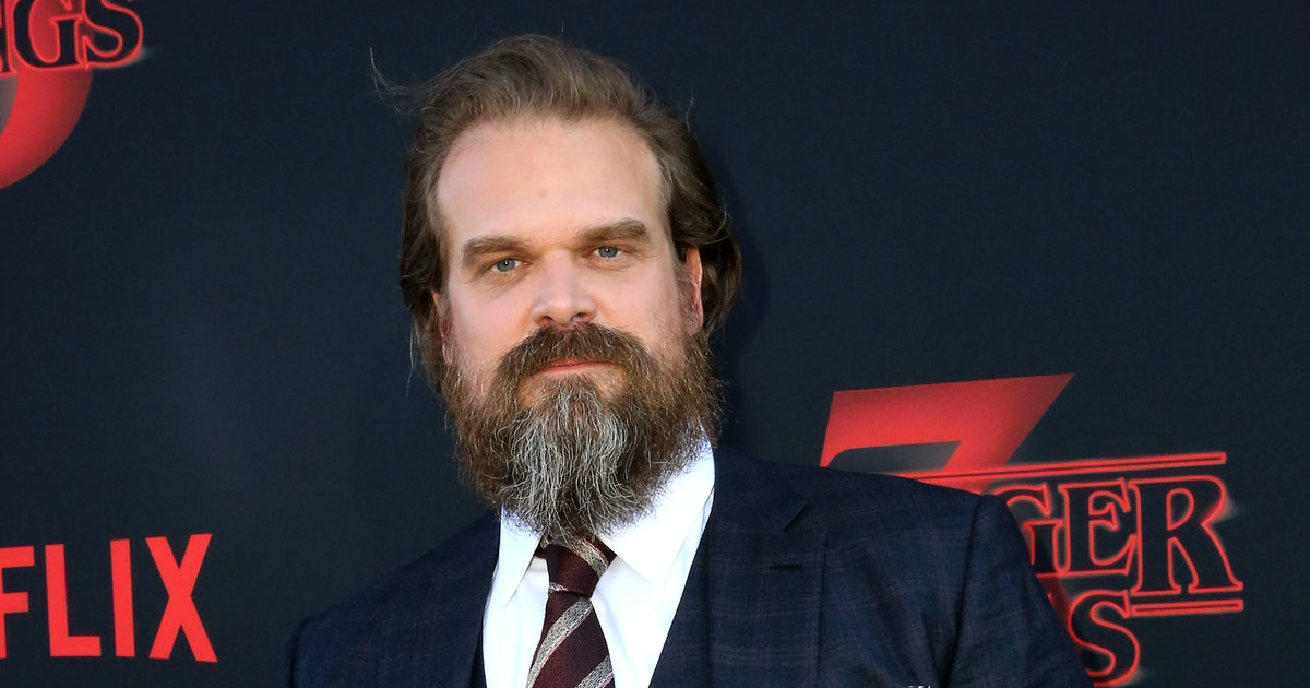 """Are David Harbour & Lily Allen Dating? All Signs Point To """"Probably"""""""