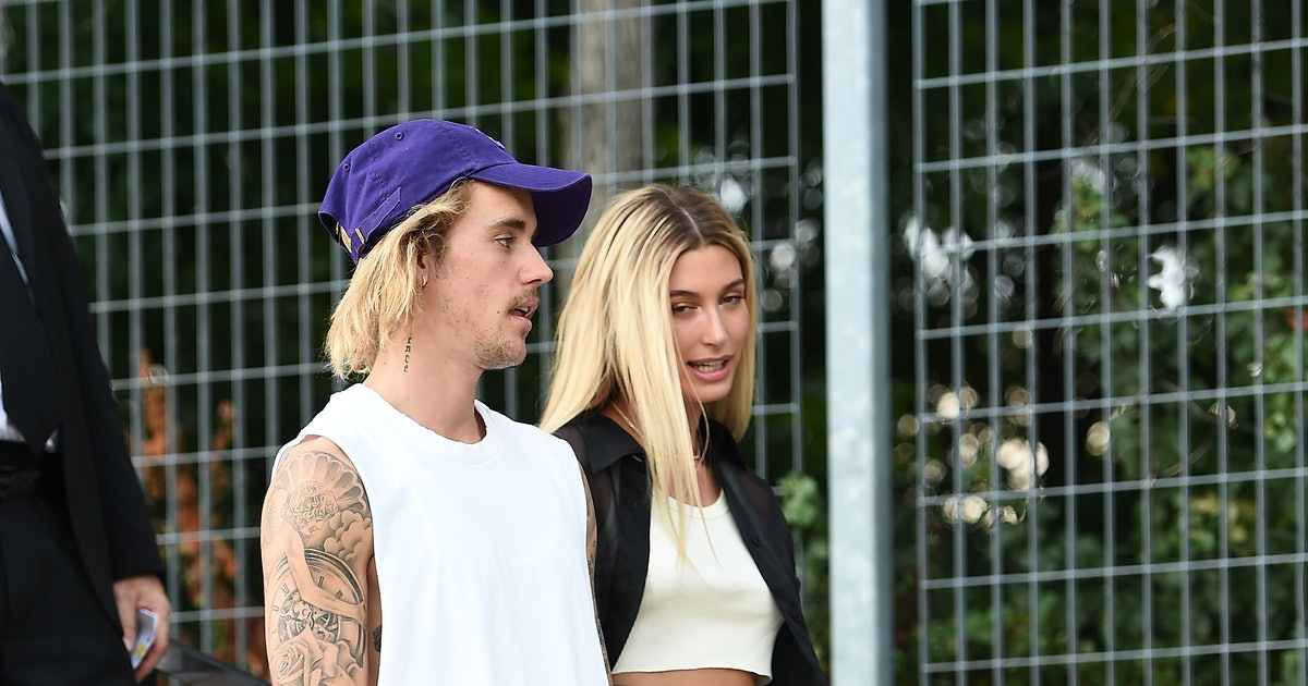 """Hailey Baldwin's """"Wifey"""" Necklace From Justin Bieber Is Made With Love"""