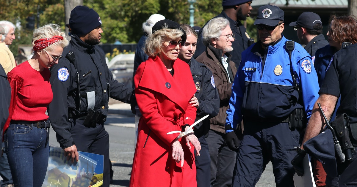 Jane Fonda Detained For Protesting Climate Change For Second Week In A Row