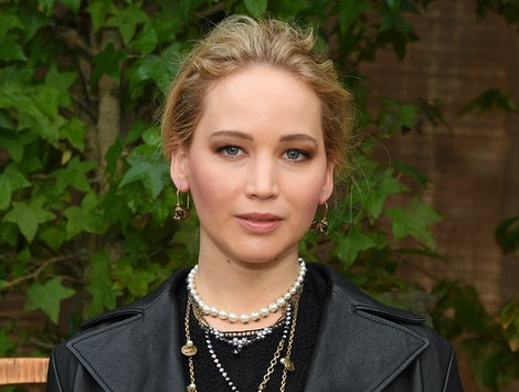 Jennifer Lawrence & Cooke Maroney got married in a Rhode Island wedding.