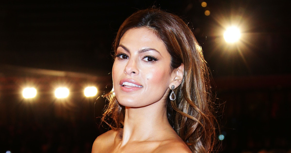 Eva Mendes' Selfie Of Her Trying To Hide From Her Kids Is SO Relatable