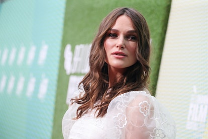 Keira Knightley strikes a pose on the red carpet.