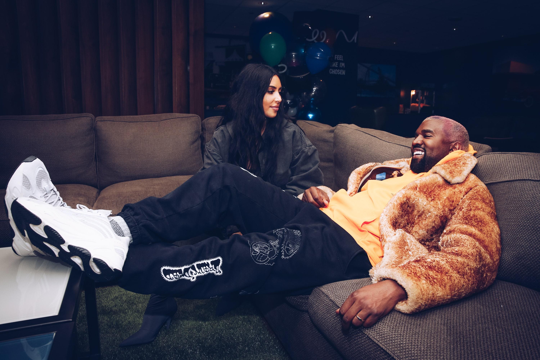 Når gjorde Kim Kardashian startet dating Kanye dating råd online gratis