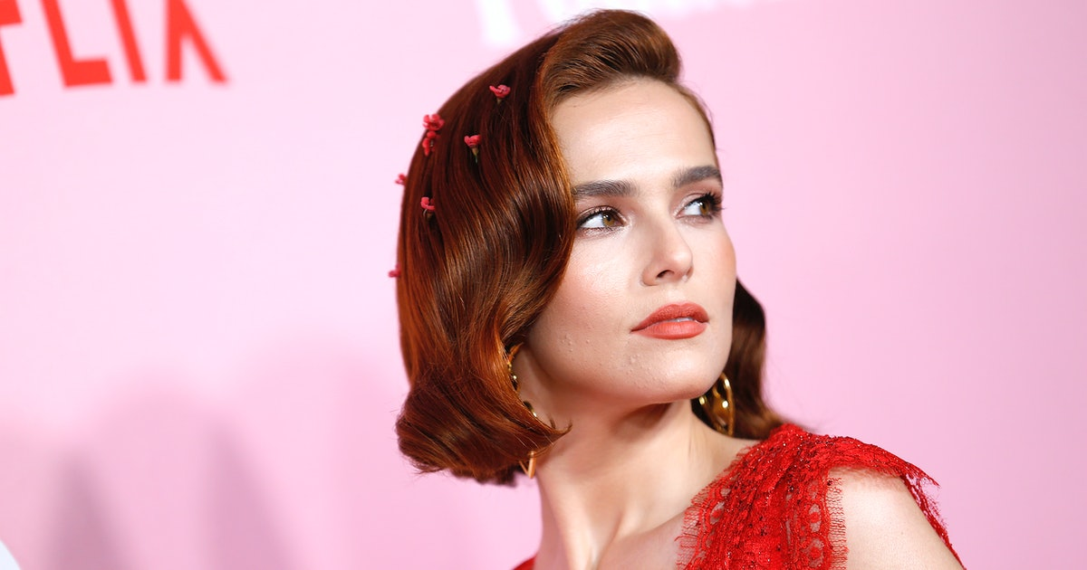 """Why 'The Politician's Zoey Deutch Considers Anxiety Her """"Superpower"""""""