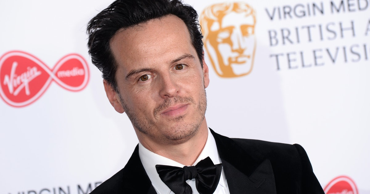 'Fleabag's Hot Priest Supports The Pope Allowing Clergy Members To Marry