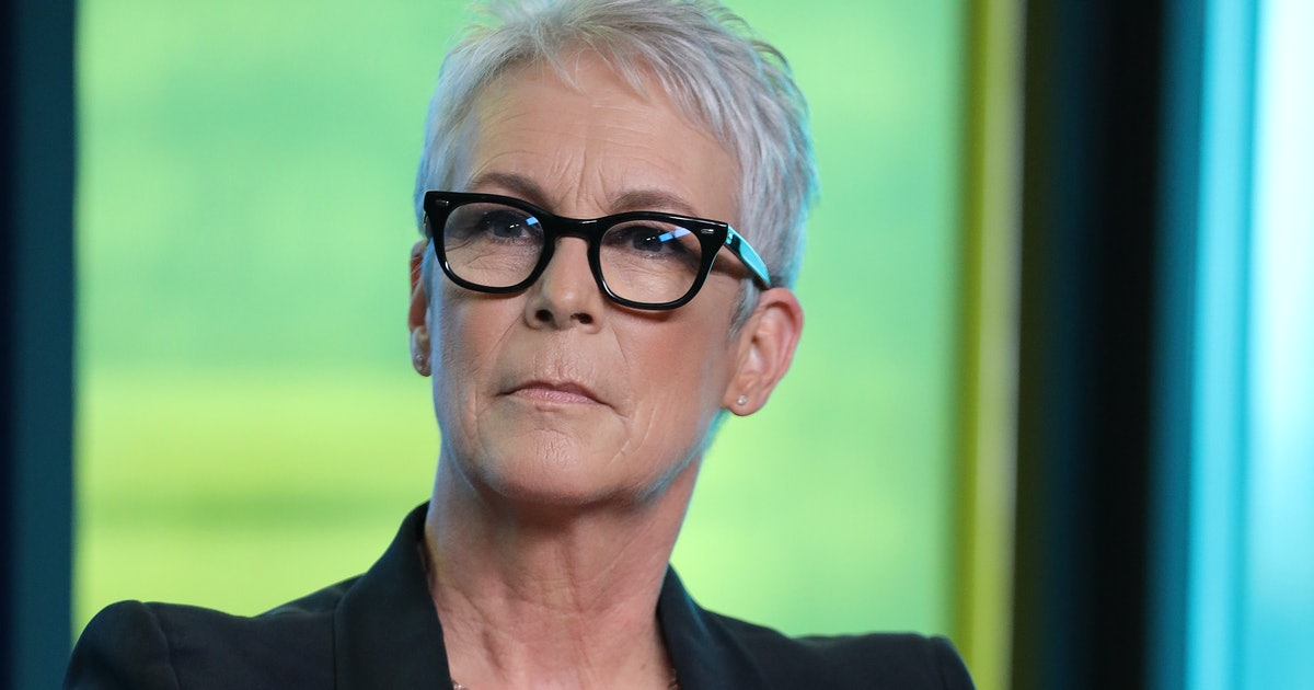 """Jamie Lee Curtis' Photo From 'Halloween Kills' Set Shows Her Ready For """"Battle"""""""
