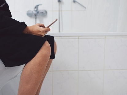 A woman pees after sex, the number one way to clean yourself up after sex
