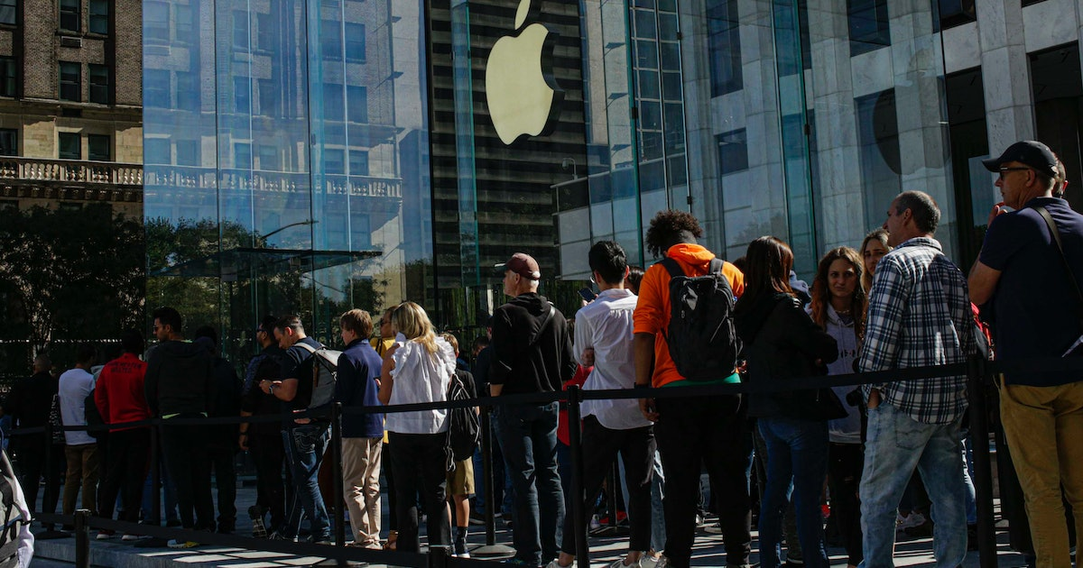 What Time Does Apple Open On Black Friday 2019? You Can Sleep In