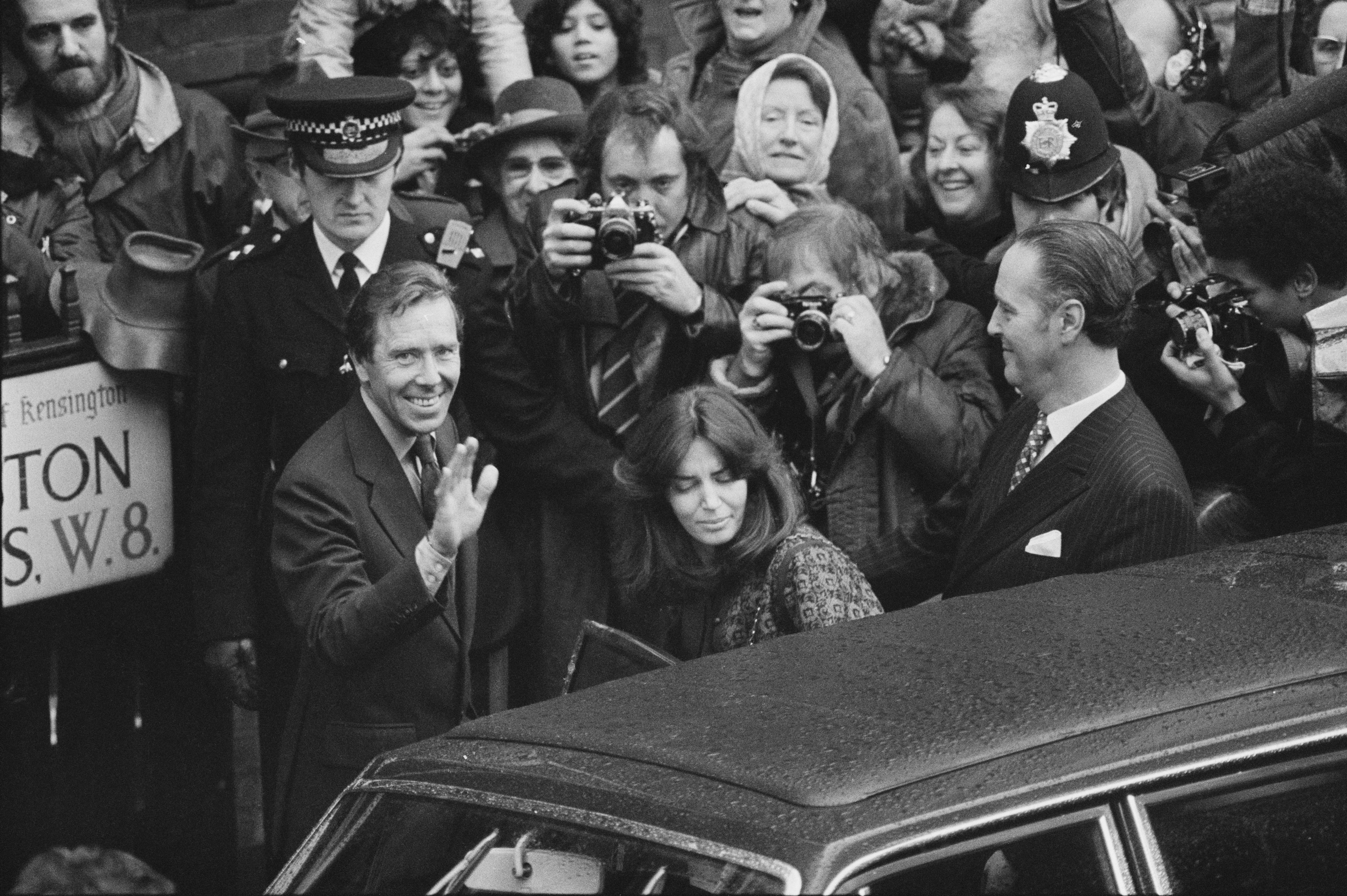 Antony Armstrong Jones 1st Earl Of Snowdon Spouse Inside Antony Armstrong Jones Real Relationship With Lucy Lindsay Hogg