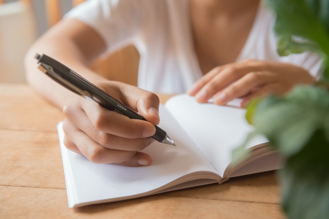 A woman starts a gratitude journal
