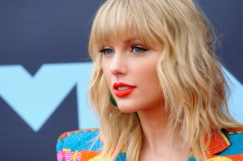Taylor Swift's AMAs performance will include her old songs after all
