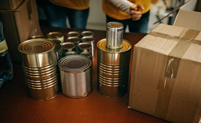 These cans are secure and don't appear to be tampered with, so they're perfect items to donate to a food bank.
