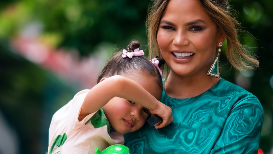 Chrissy Teigen's contribution for Luna's Thanksgiving potluck at her school was hilariously glorious.