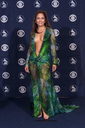 Jennifer Lopez's Versace dress from the 2000s Grammy was recreated by Fashion Nova.