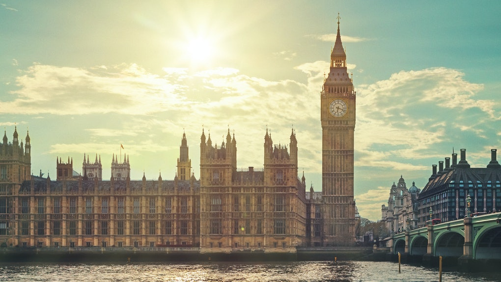 Dollar Flight Club's Nov. 26 deals to London are over 50% standard fares.
