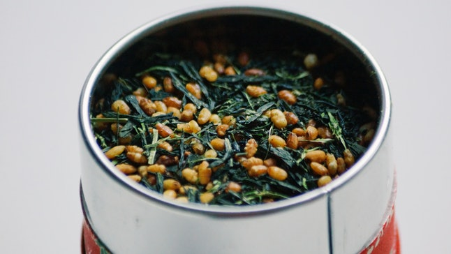 Genmaicha, or green tea with popped rice, is very popular in Japan. Switching from coffee to green tea can increase the amount of antioxidants in your body.