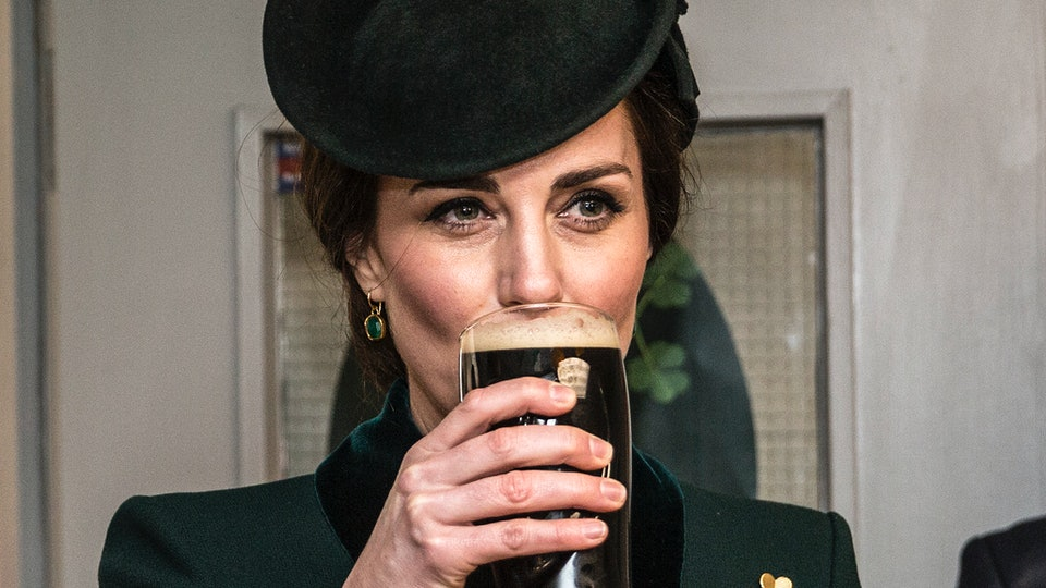 Kate Middleton reportedly had a moms' night out at a pub.