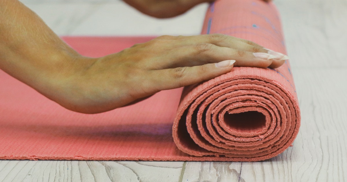 If Yoga Poses Trigger Gender Dysphoria For You, Here's What You Should Know