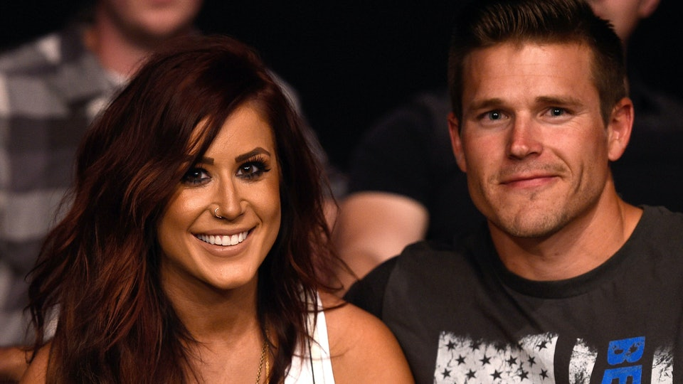 Chelsea Houska caught her husband bribing their son with treats.
