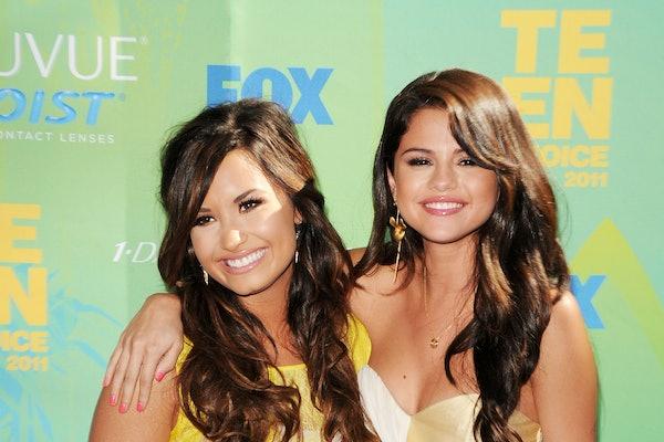 Selena Gomez & Demi Lovato at the Teen Choice Awards