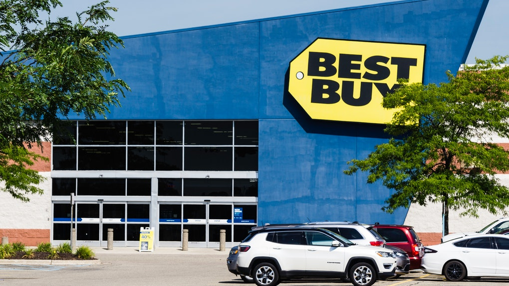 What Time Does Best Buy Open On Black Friday? It depends on your location.