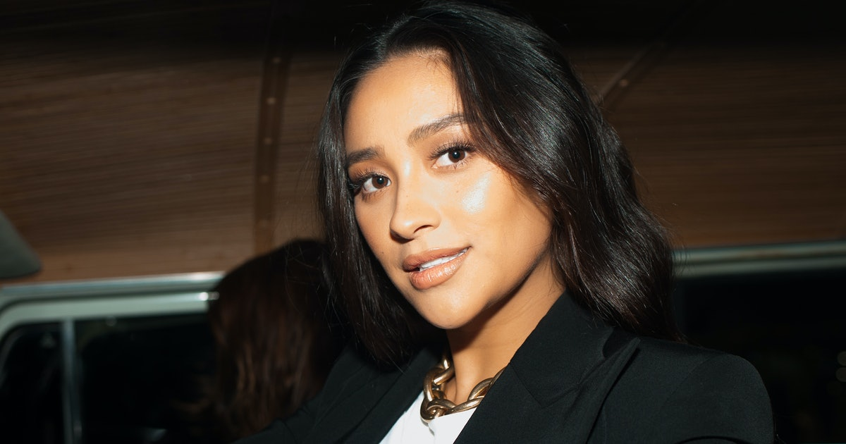 Shay Mitchell Breastfeeds Her Newborn Daughter In A Glamorous New Photo